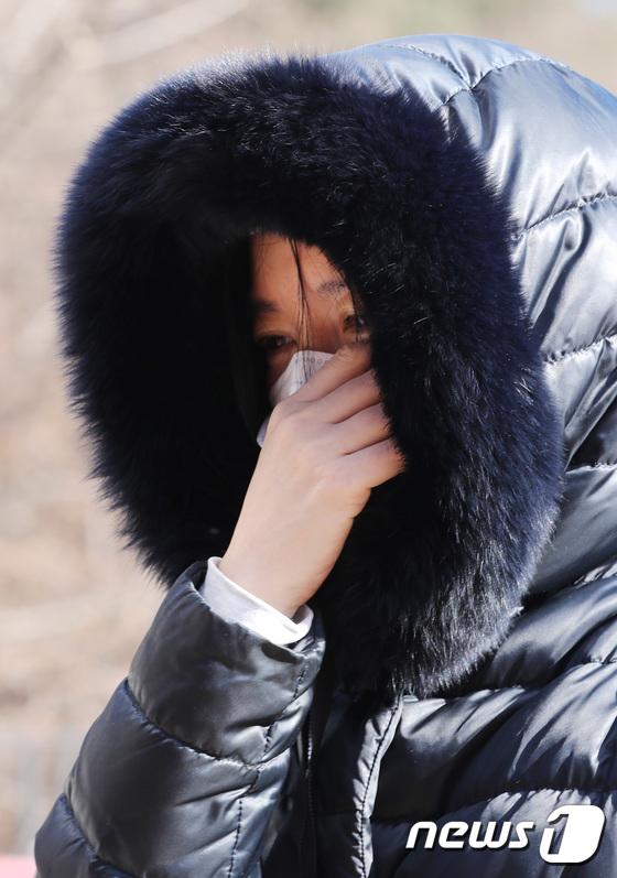 """[단독] 이영애, 쌍둥이 자녀, 남편과 정인양, 공동 묘지에서 울고 … """"미안해""""(일반)"""