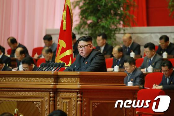 북한은 주말에도 당대회 일정을 계속하는 것 같다 … 곧 결론