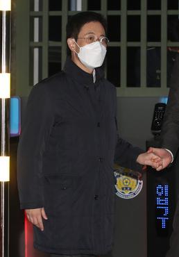 구치소 나서는 손준성 검사 '구속영장 기각'