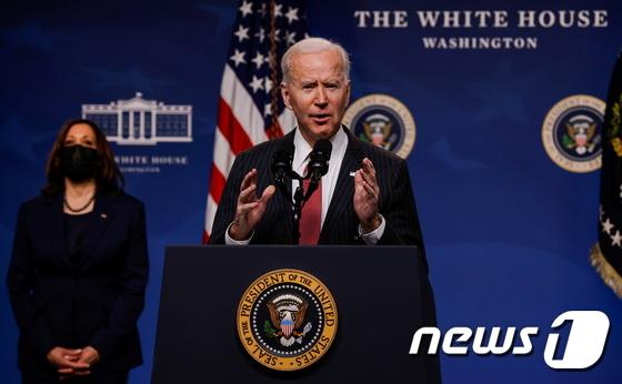"Biden ""미얀마의 군사 제재는 강력한 추가 조치를 따를 것입니다""(보완)"