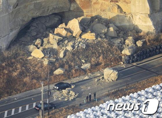 [영상] 일본 후쿠시마 해안에서 발생한 7.3 지진 … 원전 사용 후 연료 탱크가 넘침