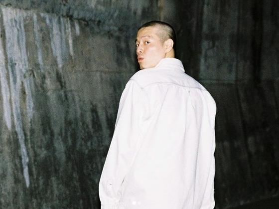 """Essence """"미친 중국 도둑, 한복이 아닌 한복 … 힙합도 그들의 것입니다."""""""