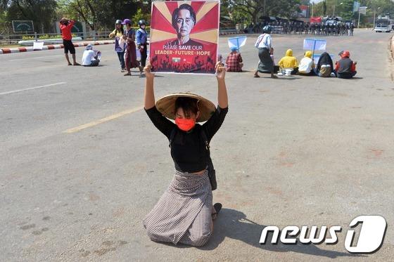 미얀마 '백 의복 혁명'? … 의사와 학생들이 대규모 시위를 계획하다