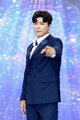 """[단독] '트롯 전국체전' 1위 진해성 """"패자부활전서 우승까지...간절했다""""..."""