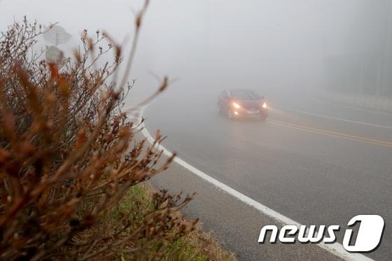 [내일 날씨]서해안과 중부 내륙의 짙은 안개… 낮은 공기질 (전체)