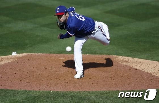 양현종 첫 MLB 시범 게임 시작, 트레비노와 배터리 호흡