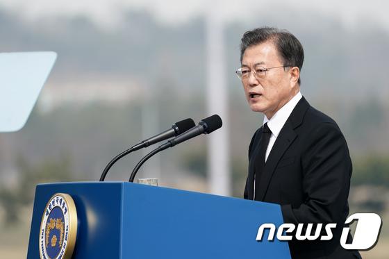북한의 도발에 대한 온도차… 文 평화 과정 시험대