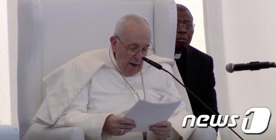 """프란치스코 교황, """"IS, 테러에 의한 종교 남용""""비난"""