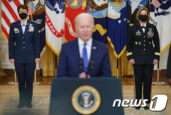 Biden, 세계 여성의 날 미군 지휘관 여성 장군 발표