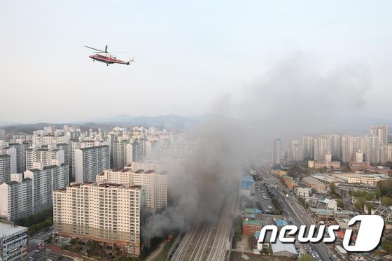 남양주 다산동 주상복합건물 화재로 퍼지는 검은 연기