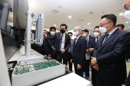 최기영 장관, 5G 모듈 단말 개발 관련 현장방문