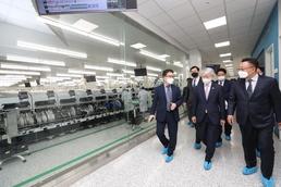 5G 모듈 단말 개발 관련 현장방문한  최기영 장관