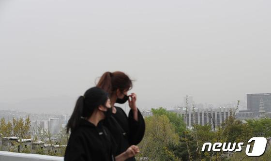 서울 하늘, 미세먼지 \'나쁨\'