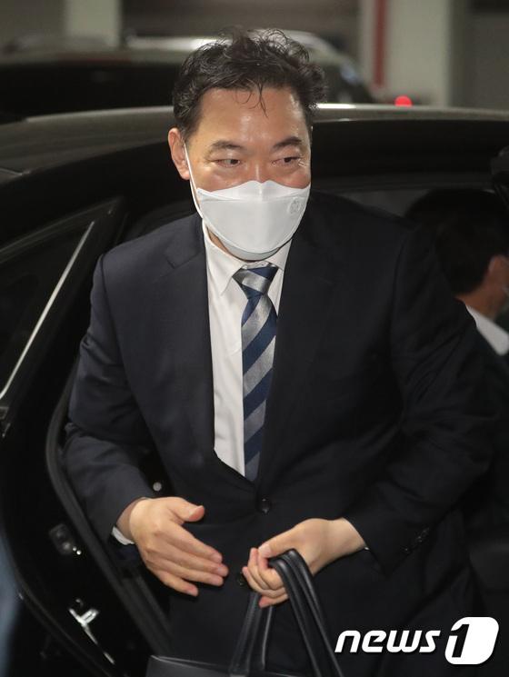 김오수, 청문회 문턱 넘을 수 있을까