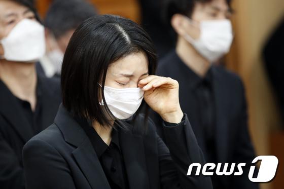 배우 김옥빈 \'참을 수 없는 슬픔\'