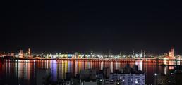 밤바다 수놓은 포항제철소