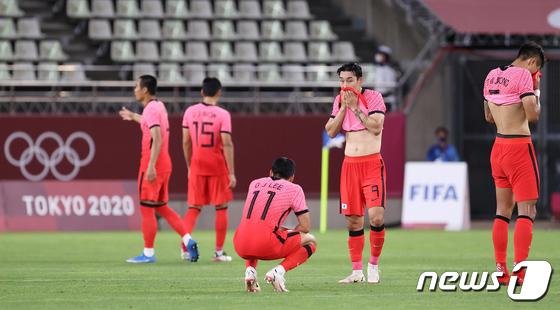 불안하게 출발하는 한국축구