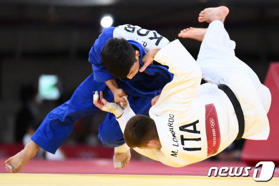 유도 남자 66kg 안바울 업어치기로 동메달