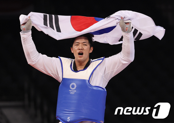 '암투병' 인교돈, 태권도 동메달 획득