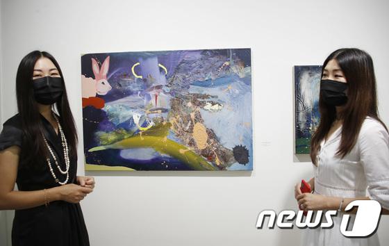 데이비드 레만 亞 첫 개인전 주최한 최선희 최진희 공동대표