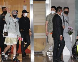 '대통령 특별사절' BTS 출국