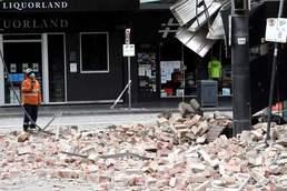 [사진] 지진 강타에 부서진 호주 멜버른의 건물