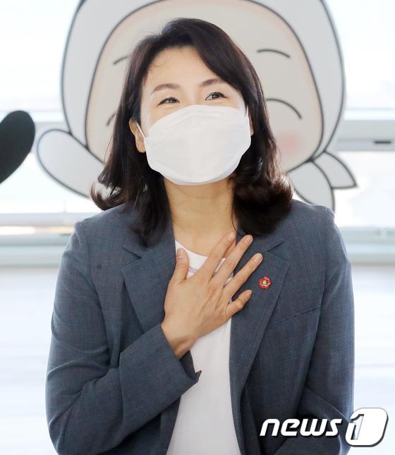 제주 찾은 김혜경씨