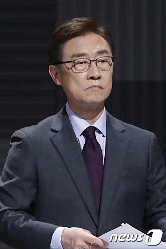 최재형 후보, 100분 토론회 준비