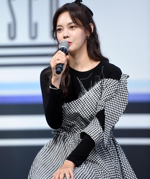 안현모 '여배우 뺨치는 인형 미모'