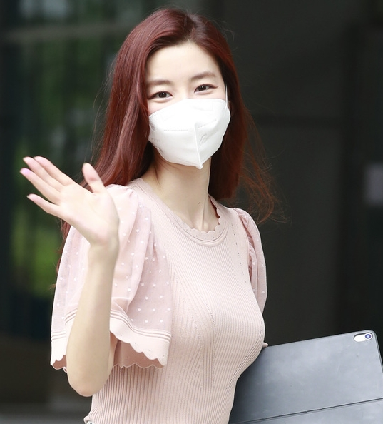 김규리, 핑크빛 미소에 '퐁당'