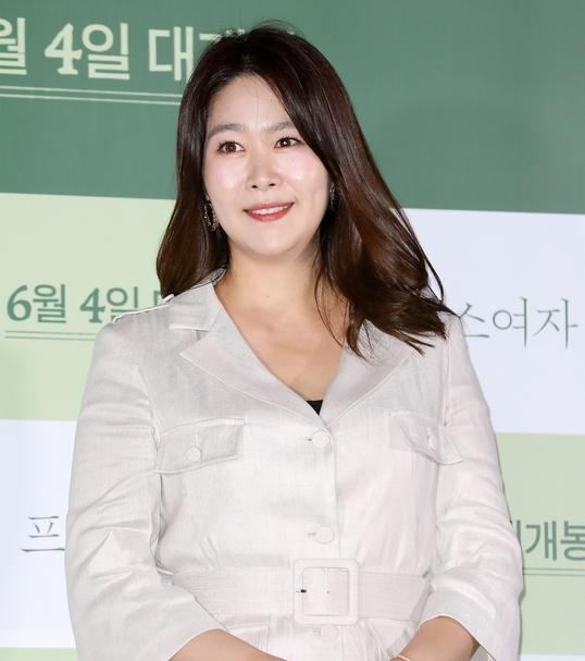 김지영 '우아한 미소'