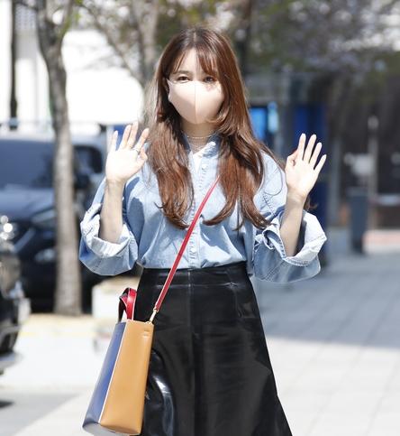 윤은혜, 샤랄라 꽃인사