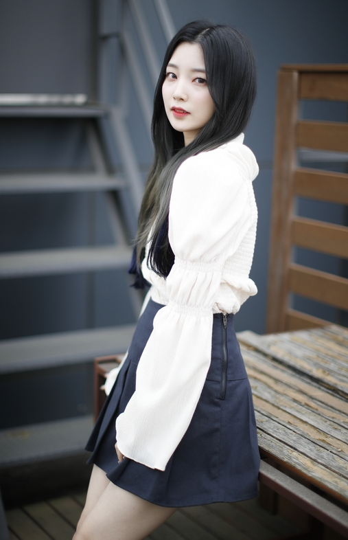 연희 '오월의 눈부심'